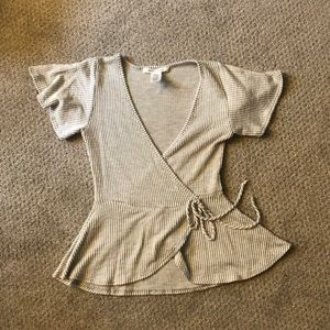 Short sleeve blouse. Size Small. Grey and White.